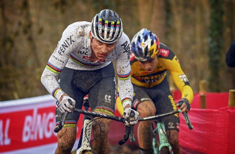 Mathieu van der Poel en Wout van Aert 2020