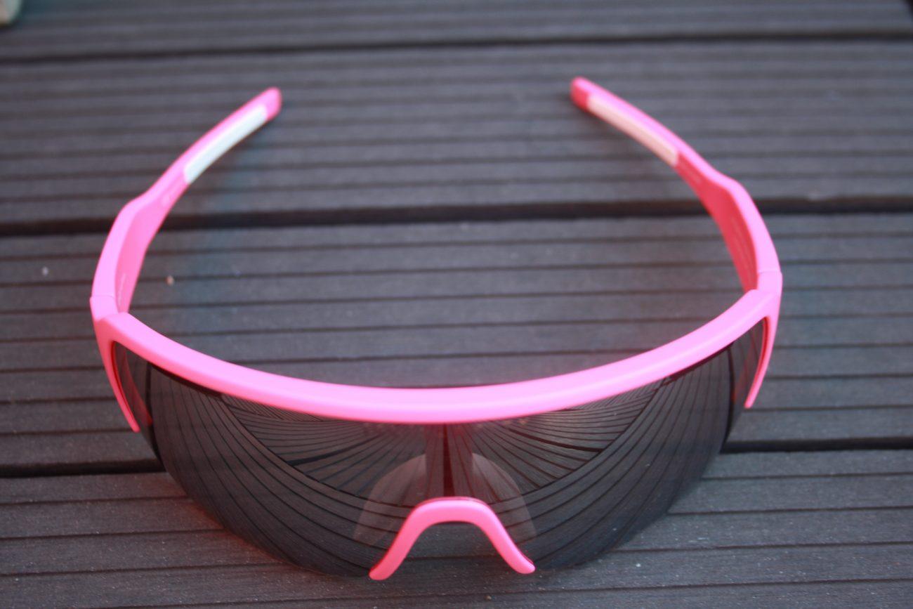 4d2de236222dc0 Hierdoor heb je minder het idee dat je door een bril kijkt en is je zicht  breder.