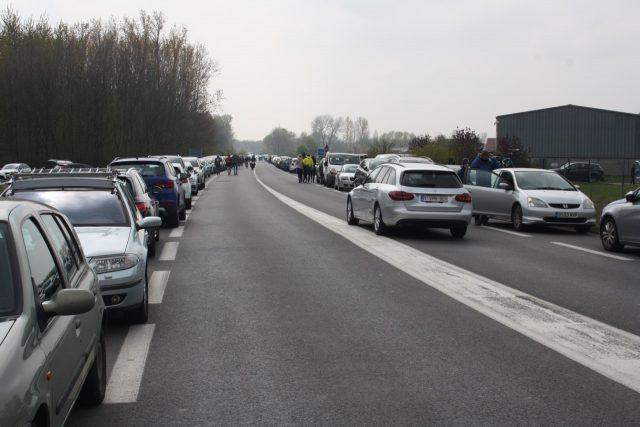Parijs-Roubaix, drukte richting het bos van wallers