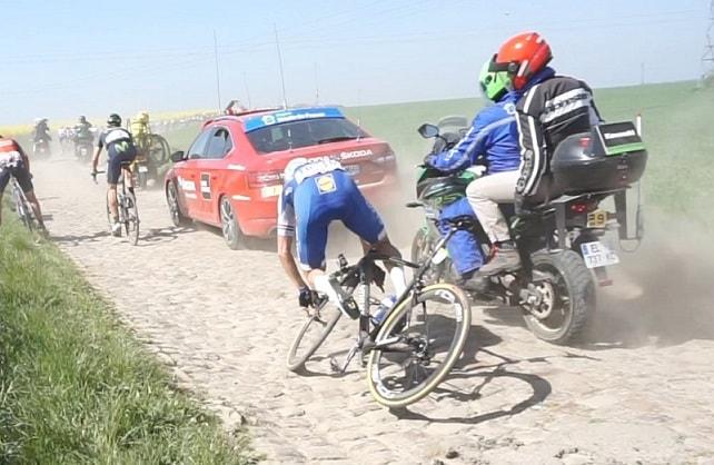 Niki-Terpstra-crash.jpg