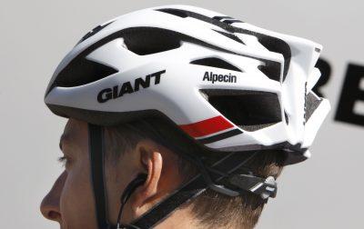 Helmdragers nemen meer risico